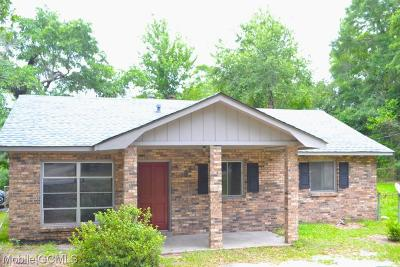 Single Family Home For Sale: 4055 Cresthaven Road