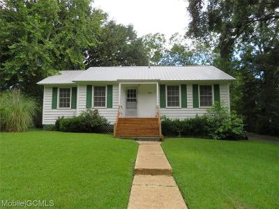 Chickasaw Single Family Home For Sale: 307 3rd Street