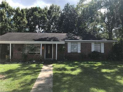 Chickasaw Single Family Home For Sale: 411 Myrtlewood Avenue