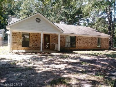 Mobile County Single Family Home For Sale: 9670 Pineview Avenue