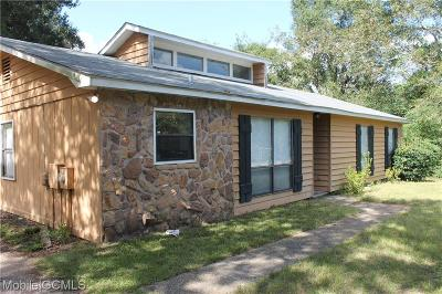 Mobile Single Family Home For Sale: 7028 Roxboro Court
