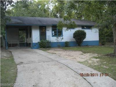 Mobile County Single Family Home For Sale: 3950 Pickett Drive