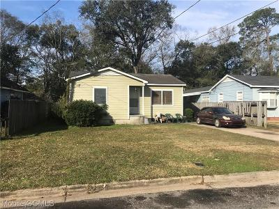Mobile Single Family Home For Sale: 73 Macks Street