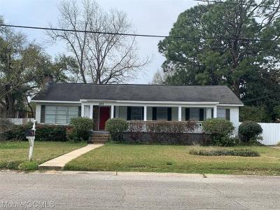 Mobile County Single Family Home For Sale: 101 2nd Street