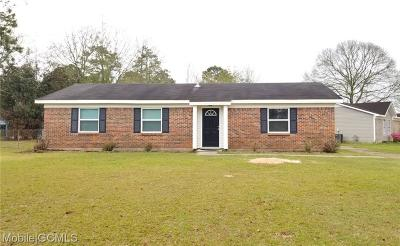 Mobile Single Family Home For Sale: 801 Trailwood Drive W