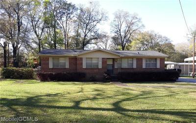 Satsuma Single Family Home For Sale: 114 Pine Avenue E