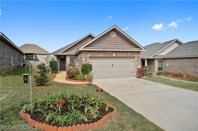 Mobile Single Family Home For Sale: 2492 Bentridge Drive W