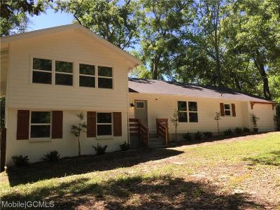 Mobile Single Family Home For Sale: 4661 Pinewood Drive E