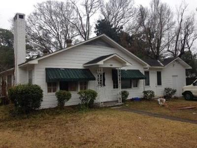 Mobile Single Family Home For Sale: 715 Pinehill Drive