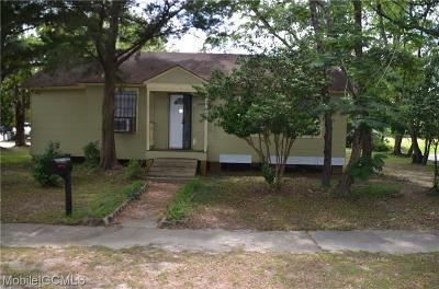 Chickasaw Single Family Home For Sale: 328 7th Street