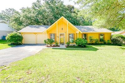 Mobile County Single Family Home For Sale: 1617 Green Brook Court