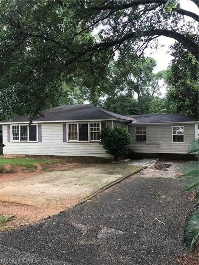 Mobile Single Family Home For Sale: 5228 Border Drive N