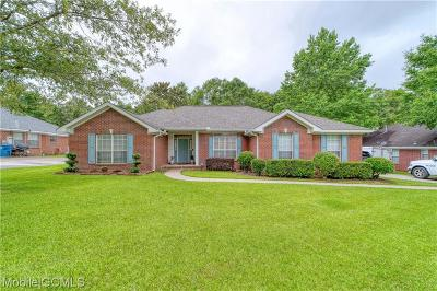 Mobile County Single Family Home For Sale: 4048 Meadow Run Drive