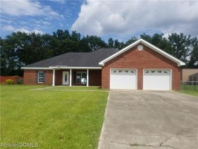 Mobile Single Family Home For Sale: 4749 Megan Court