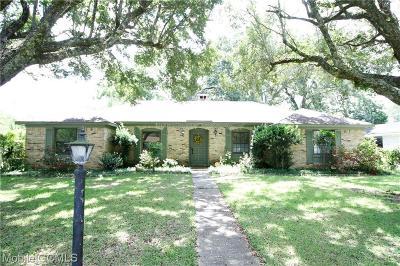 Chickasaw Single Family Home For Sale: 204 Baratara Drive W