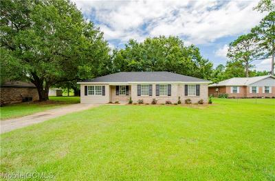 Mobile County Single Family Home For Sale: 6934 Jamestown Drive