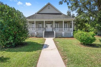 Single Family Home For Sale: 8901 Dawes Lane N