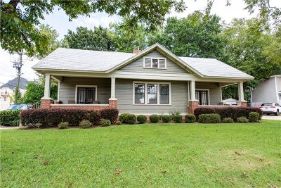 Auburn Single Family Home For Sale: 355 Armstrong Street