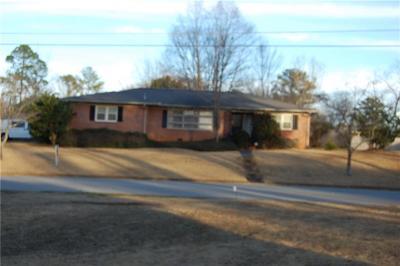 Opelika Single Family Home For Sale: 1303 Denson Drive