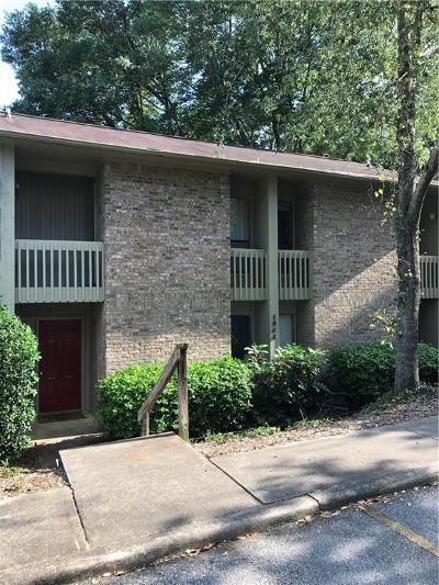 Auburn Condo/Townhouse For Sale: 1048 Stonegate Drive #B