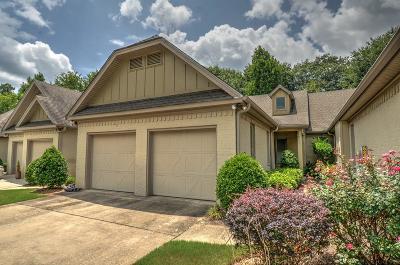 Auburn Single Family Home For Sale: 679 Midtowne Court