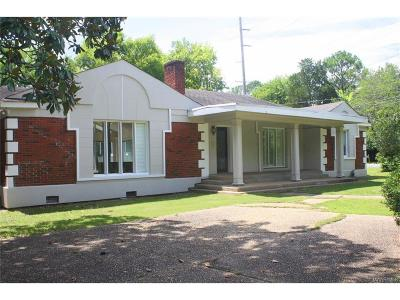 Montgomery Single Family Home For Sale: 2200 Country Club Drive