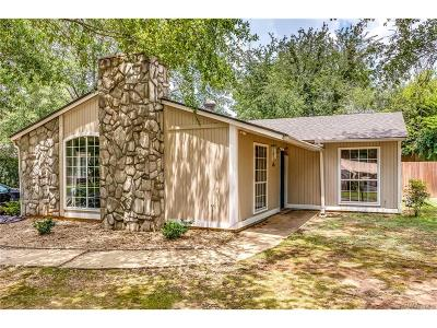 Millbrook Single Family Home For Sale: 114 Pinewood Drive