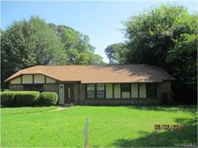 Millbrook Single Family Home For Sale: 107 Dogwood Drive
