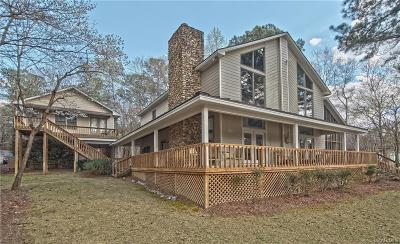 Single Family Home For Sale: 300 Catesby