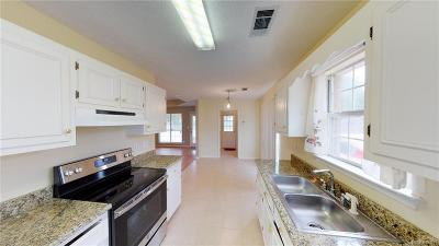 Montgomery Single Family Home For Sale: 925 Eastern Oaks Drive