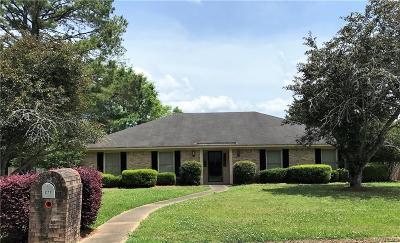 Selma Single Family Home For Sale: 277 E Castlewood Drive