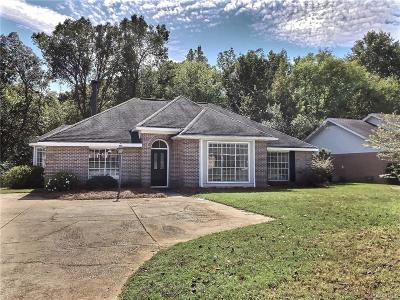 Single Family Home For Sale: 823 Sweet Ridge Road