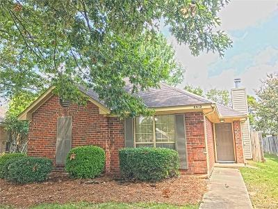 Montgomery Single Family Home For Sale: 6613 Heritage Oak Court