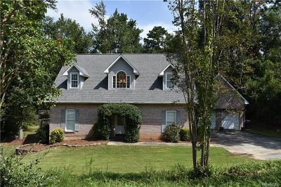 Auburn Single Family Home For Sale: 391 Saint James Drive
