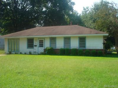 Montgomery Single Family Home For Sale: 3802 Sherwood Drive