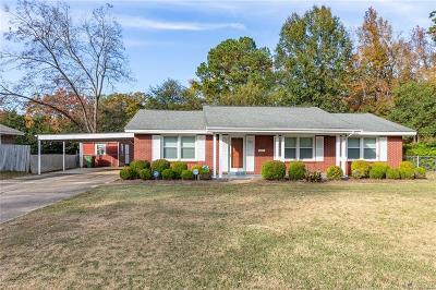 Single Family Home For Sale: 725 Green Ridge Road