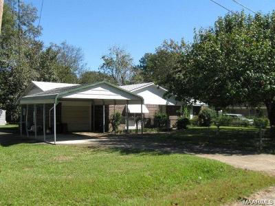 Selma Single Family Home For Sale: 220 Kopecky Road