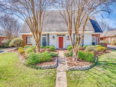 Sturbridge Single Family Home For Sale: 8836 Oak Meadow Court