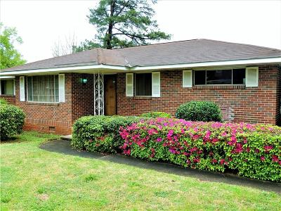 Montgomery Single Family Home For Sale: 400 Pierce Street
