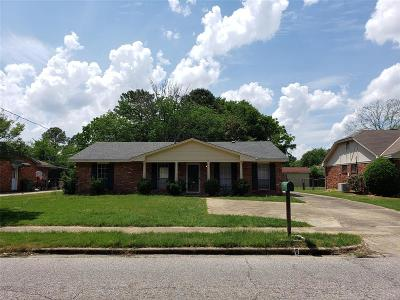Single Family Home For Sale: 4671 Ray Drive