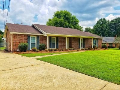 Montgomery Single Family Home For Sale: 807 Michelle Court