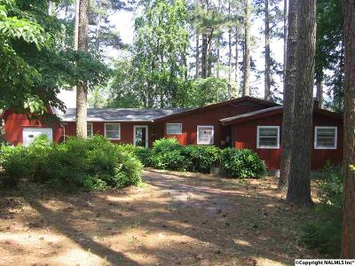 Guntersville Single Family Home For Sale: 891 Point Of Pines