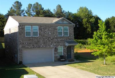 Harvest Single Family Home For Sale: 192 Green Garden Drive
