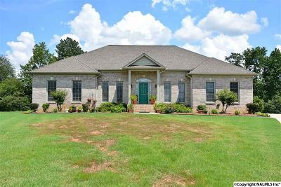Huntsville Single Family Home For Sale: 106 Kinsman Circle