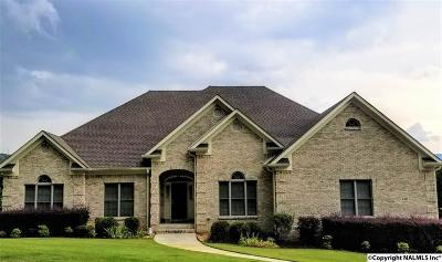 Single Family Home For Sale: 2413 Woodhurst Drive