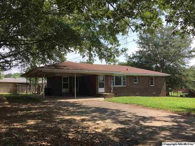 Boaz Single Family Home For Sale: 1621 Bruce Road