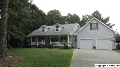 Boaz Single Family Home For Sale: 305 Lawson Gap Road