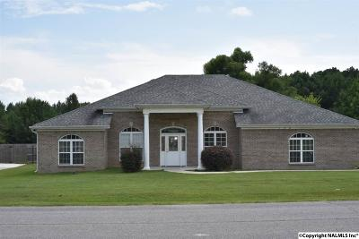 Toney Single Family Home For Sale: 108 Turney Lane
