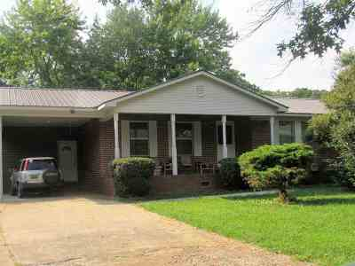 Single Family Home For Sale: 4002 Gault Avenue