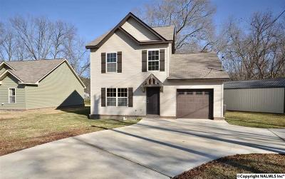 Hartselle Single Family Home For Sale: 1202 White Street